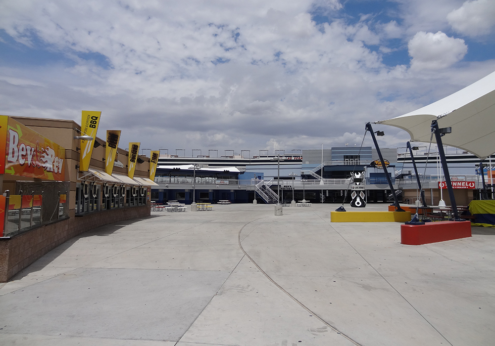 House cleaning house cleaning las vegas las vegas hotels for Hotels by las vegas motor speedway