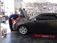 Jiffy Lube Staff Working on Car, Summerlin, Las Vegas