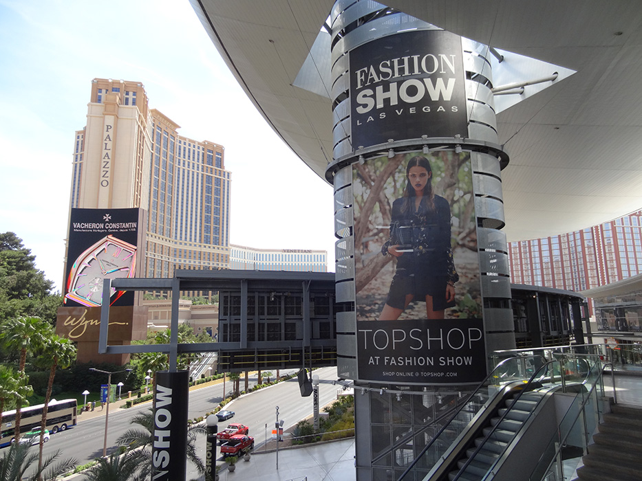 Outside Fashion Show Mall, Las Vegas Strip