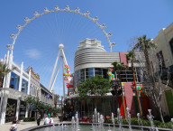 High Roller & Fountain, LINQ District, Vegas