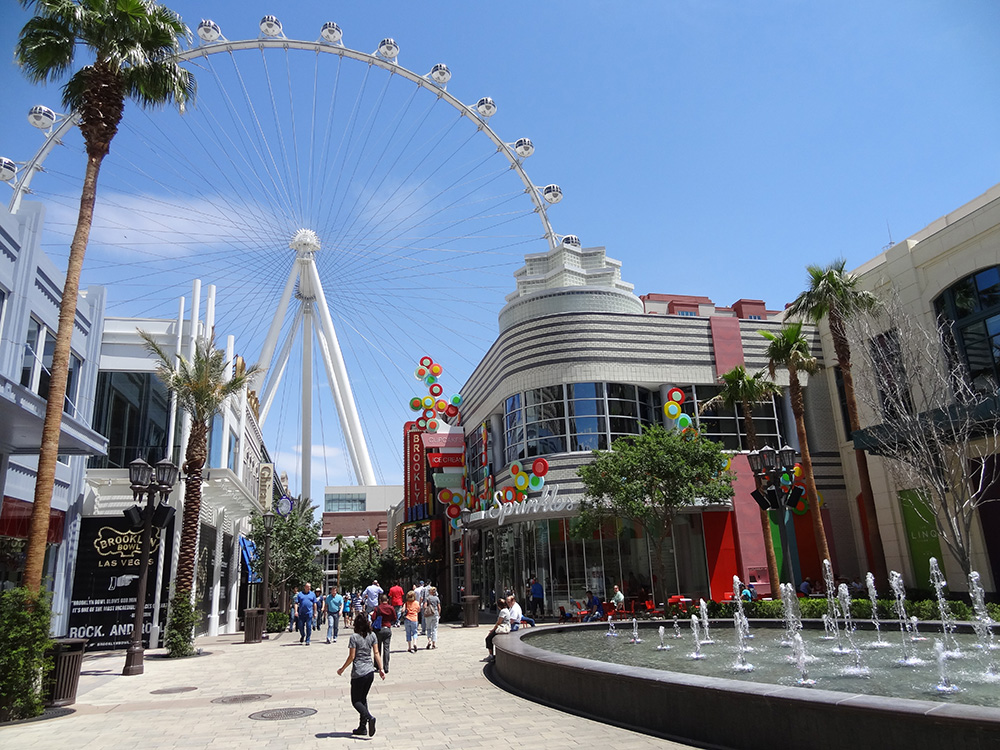 LINQ Retail District, Fountain & High Roller, Las Vegas