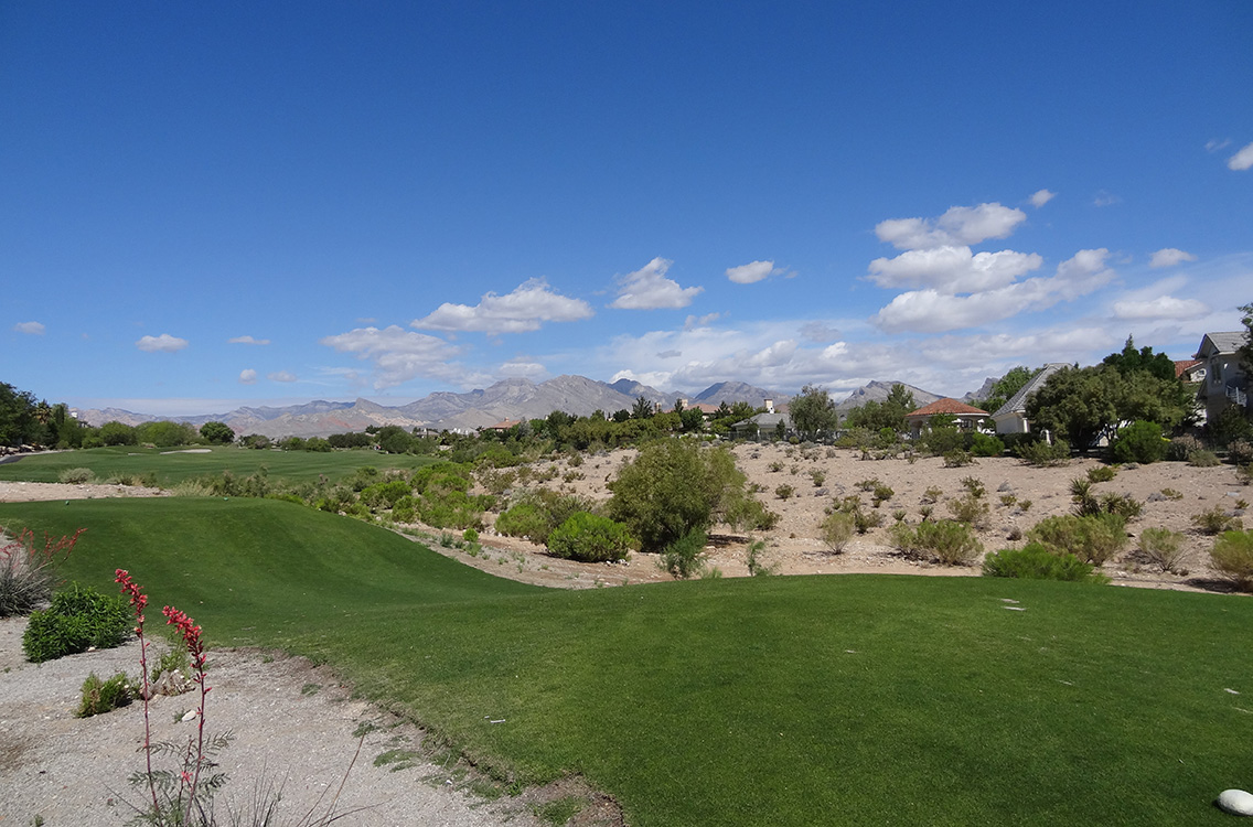 Teeing Off at Badlands Golf Course, Las Vegas