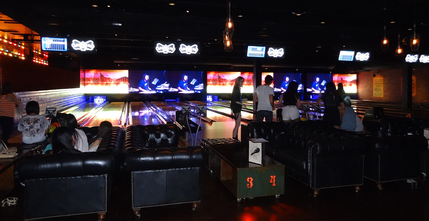 Brooklyn Bowl Bowling, Dumpstaphunk on Screen, Las Vegas