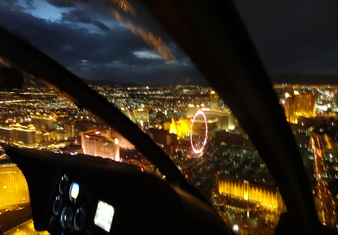 Hovering over Las Vegas Strip & High Roller, Grand Canyon Helicopters