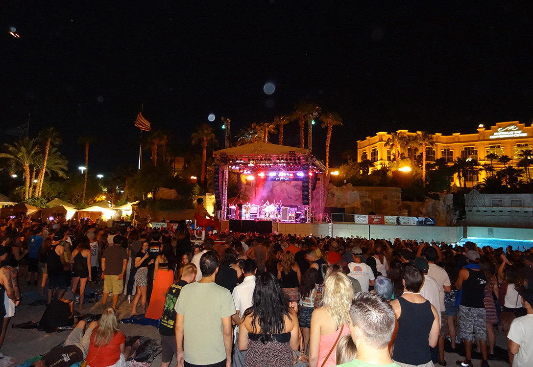 Pepper & Dirty Heads Concert, Mandalay Bay Beach, Las Vegas