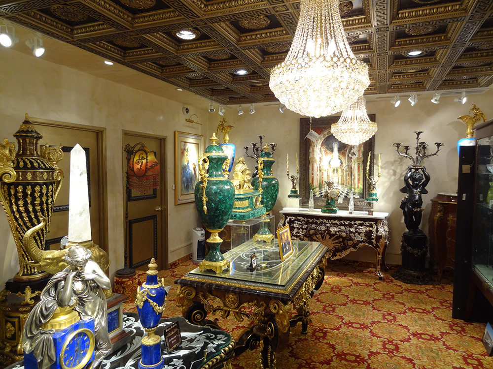 Upstairs Regis Galerie, Luxury Art, Venetian Las Vegas