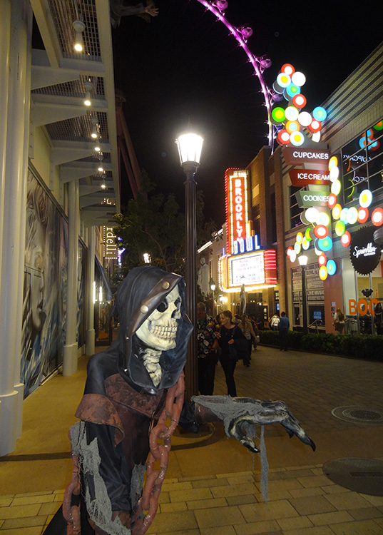 LINQ District, Halloween Decorations, Las Vegas