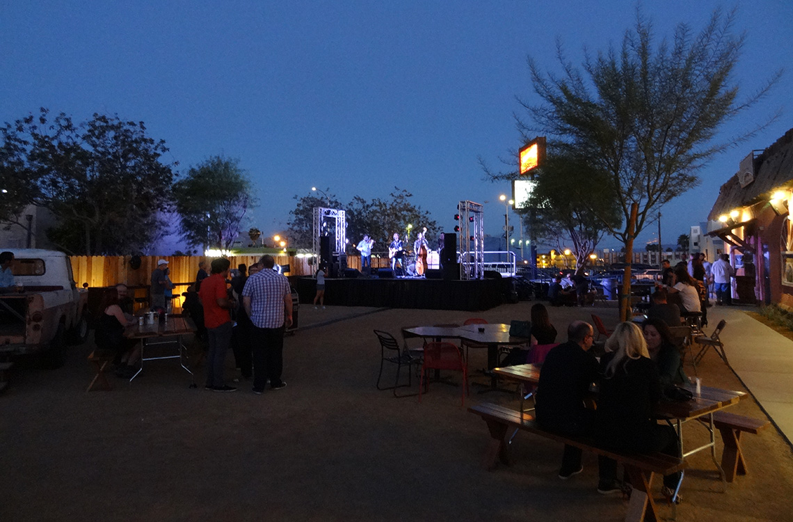Live Outdoor Music, Bunkhouse Saloon, Downtown Las Vegas
