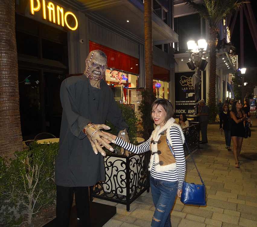 Scary Handshake, Halloween Fun in LINQ District, Las Vegas