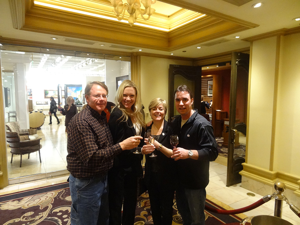 Enjoying-Champagne,-Art-&-Wine-Pairing,-Bellagio-Gallery-of-Fine-Art,-Las-Vegas