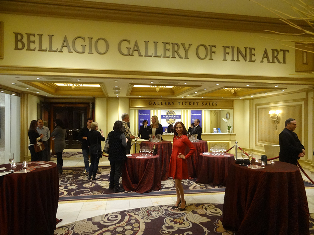 Entrance-to-Bellagio-Gallery-of-Fine-Art,-Las-Vegas