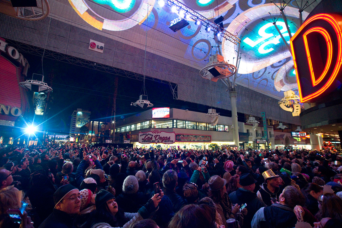 Freemont-Street-New-Years-Eve-Crowds,-Las-Vegas,-2015-Celebrations
