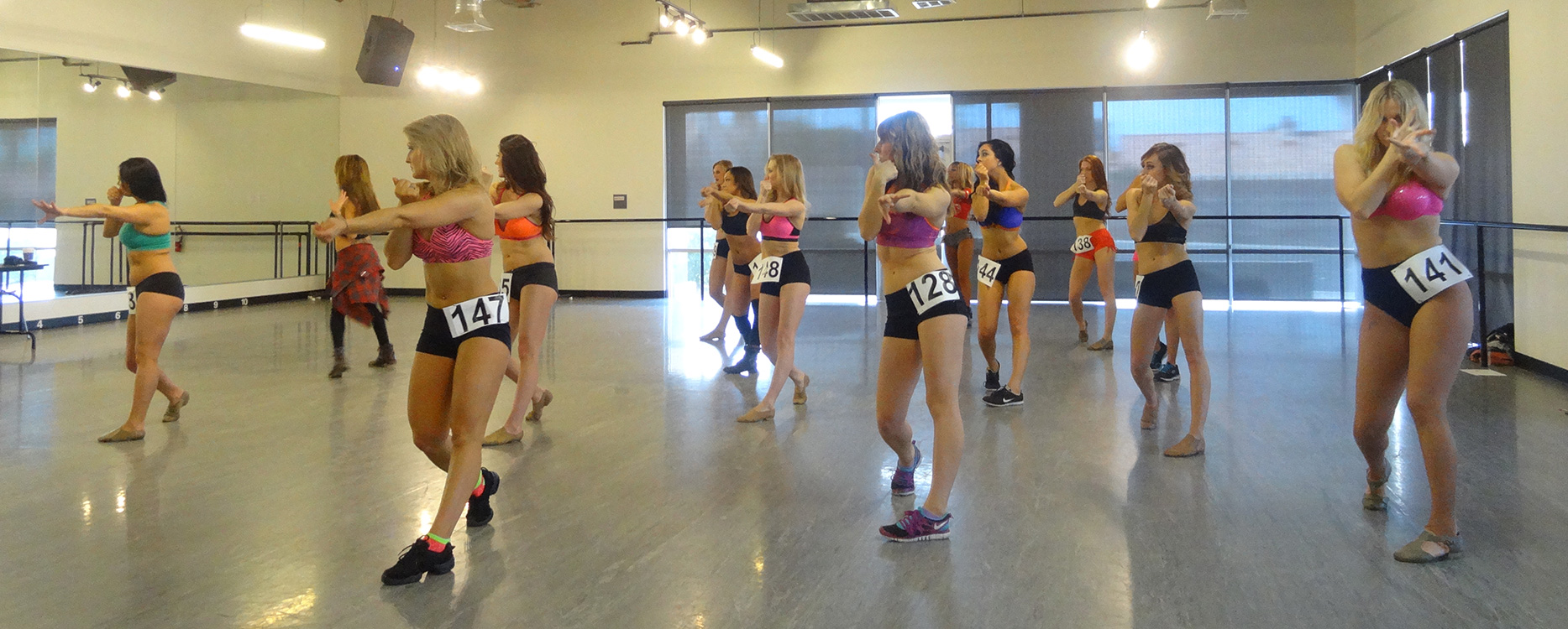 Fun-Day-at-Cheerleader-Tryouts,-Las-Vegas-Outlaws
