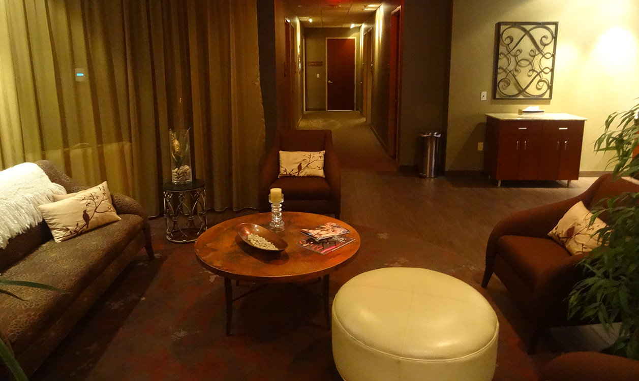 Relaxing-Waiting-Area,-LifeSpa-at-Lifetime-Fitness,-Summerlin-Las-Vegas