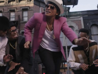 Uptown Funk ft. Bruno Mars, Video & Lyrics