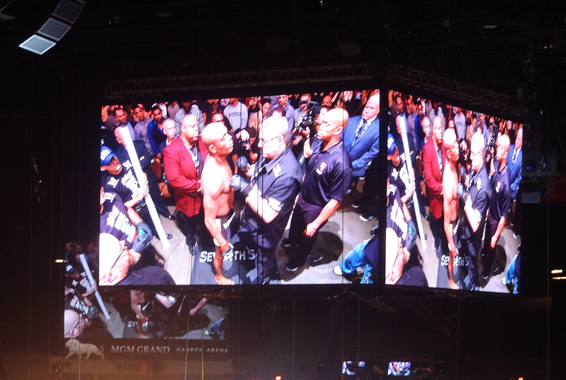 HD-Screen-at-MGM-Grand-Garden-Arena,-UFC-Fight-Silva-Diaz,-Las-Vegas