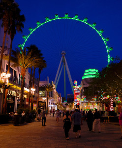 LINQ-District-St-Patricks-Day,-High-Roller,-Las-Vegas