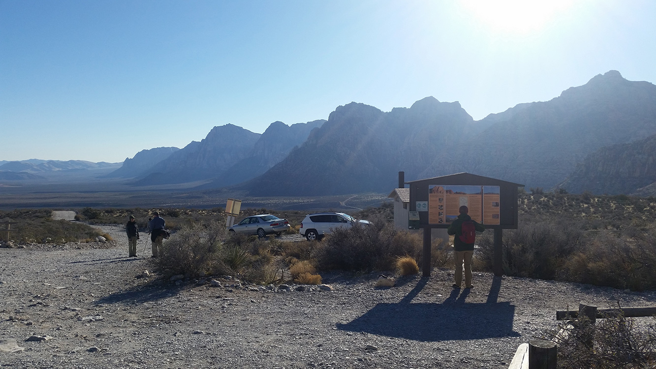Parking-Lot-White-Rock-Trailhead,-Red-Rock-Canyon,-Las-Vegas