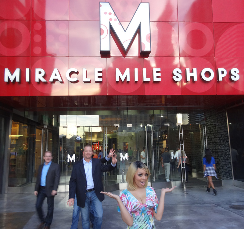 Richelle-Richie,-Miracle-Mile-Shops,-Planet-Hollywood-Las-Vegas