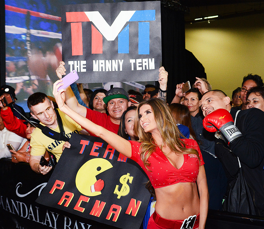 Fans-Cheer-For-Pacquiao-Mayweather-Fight