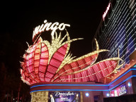 Flamingo-Hotel-Entrance,-Las-Vegas