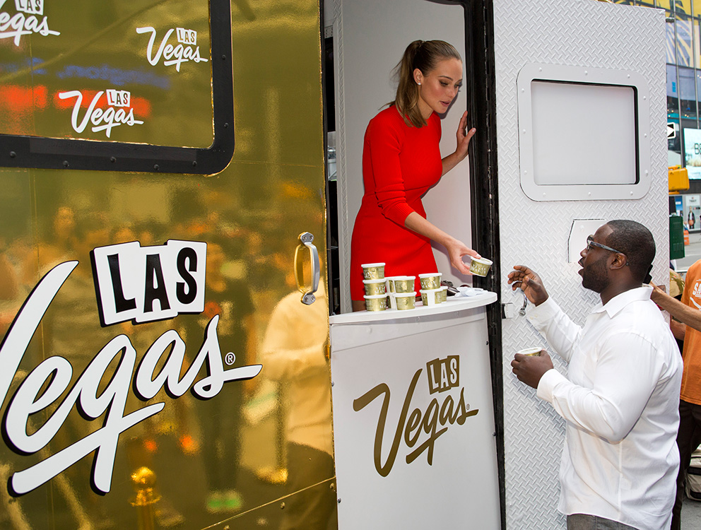 Hannah-Davis-handing-out-ice-cream-at-Vegas-Season-activation