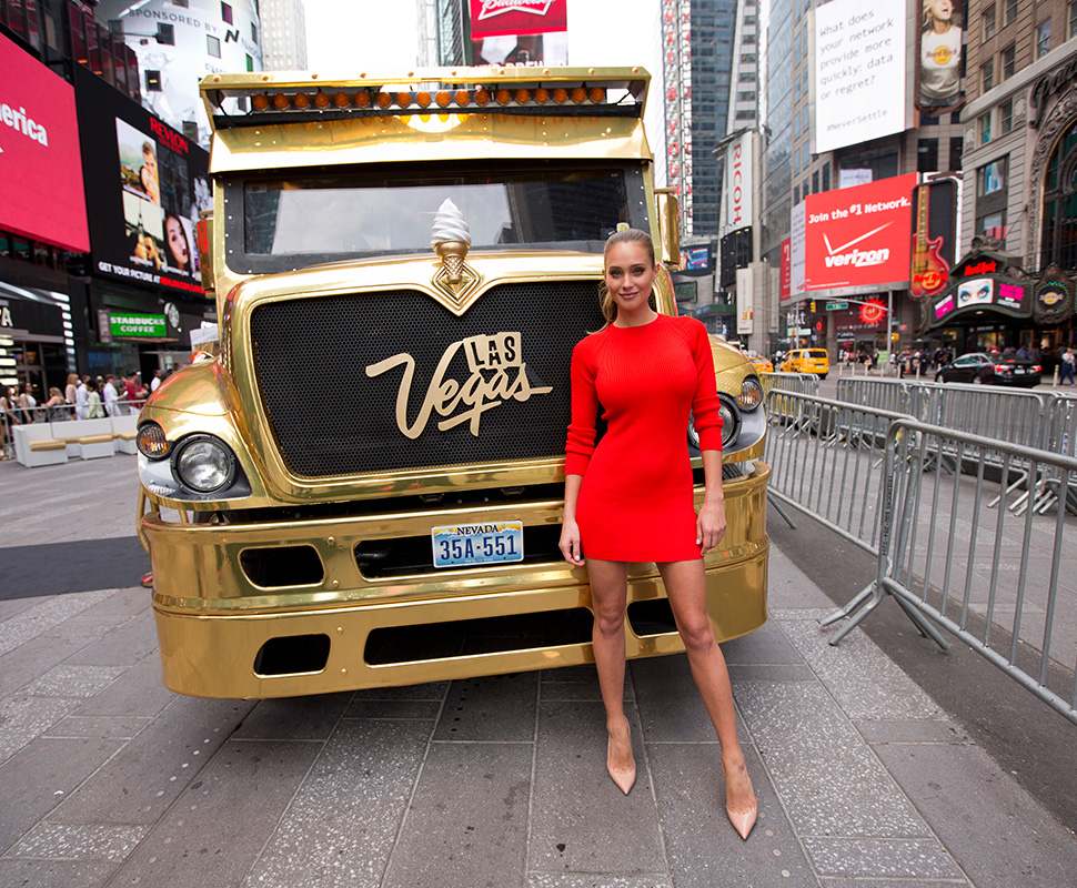 Hannah-Davis-with-the-Las-Vegas-Ice-Dream-Truck