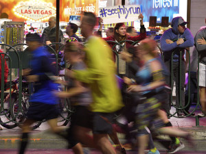Rock 'n' Roll Marathon supporters, Las Vegas Strip