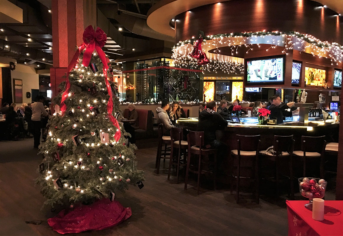 Christmas Holiday Dining At Crave Restaurant Downtown Summerlin Las Vegas