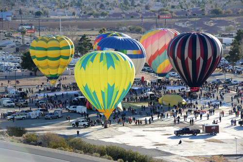 Hot Air Balloons Fill Las Vegas Mesquite Skies for Annual Festival, January 23 – 24